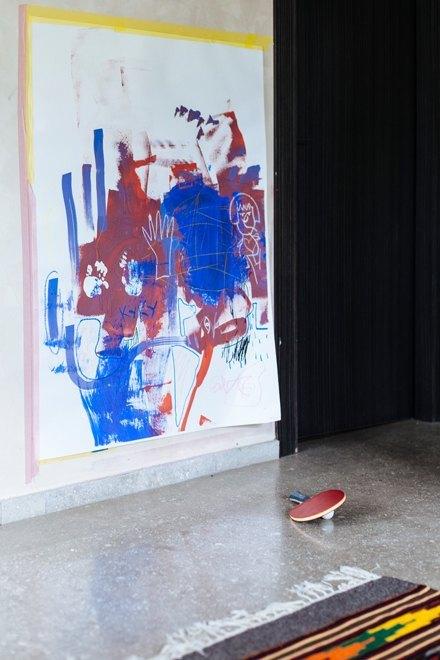 Художник Маша Сомик у себя в гостиной. Изображение № 17.