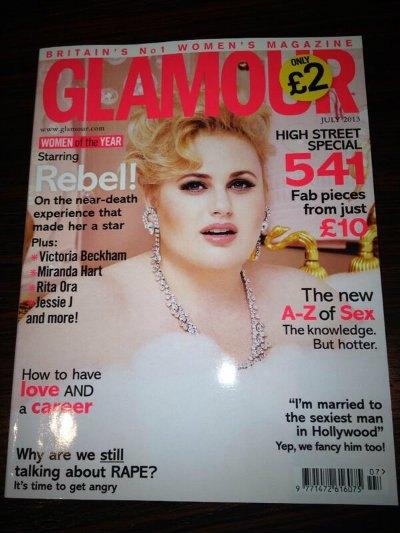 Glamour поместил на обложку полную актрису. Изображение № 1.