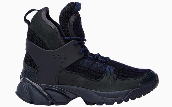 Массивные и неубиваемые: 10 пар кроссовок на зиму. Изображение № 5.