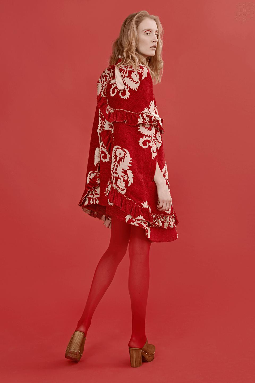 В красном цвете:  Яркие образы для  Нового года и не только. Изображение № 11.