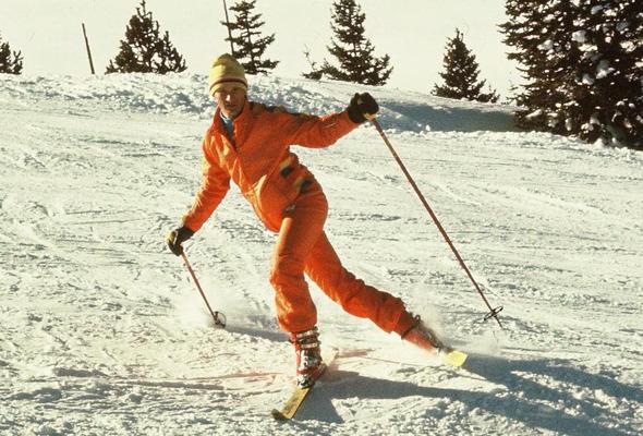 Форменный стиль: Лыжники, скейтеры, черлидерши и другие законодатели моды. Изображение № 48.