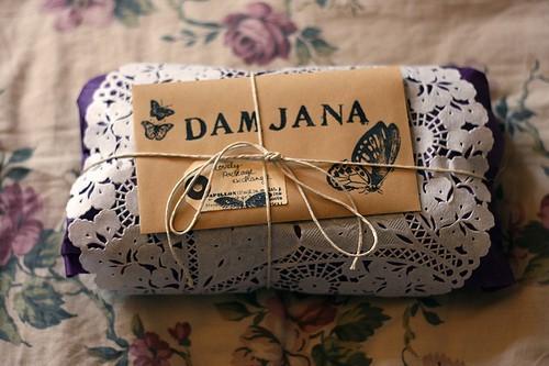 55 идей для упаковки новогодних подарков. Изображение № 43.