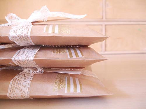 55 идей для упаковки новогодних подарков. Изображение № 80.