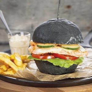 Рестораны «Охота на лобстера» и Zinger Grill, возобновившее работу «Море внутри», доставка «Пян-сё» — Открытия недели на The Village