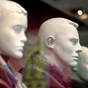 Какие изменения ждут магазины одежды в связи с кризисом — Магазины на The Village