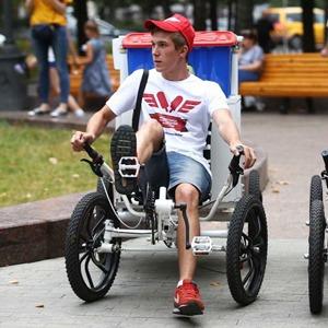 Московские мороженщики на велосипедах и самокатах — Фоторепортаж на The Village