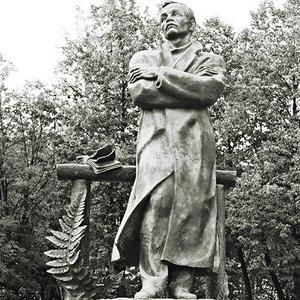 По местам: Памятник Янке Купале — Общественные пространства на The Village