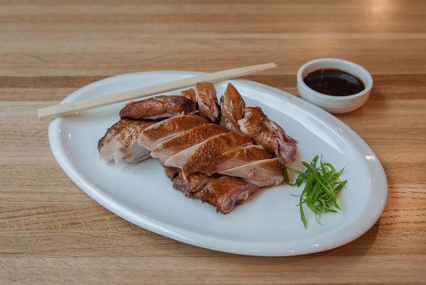 Закусочная Nomi, китайско-корейская кухня в Wang & Kim и другие открытия октября