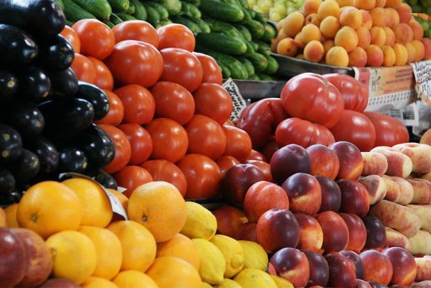 «Мы в октябре умрём с голоду»: Продавщица овощей и фруктов — о том, что происходит на рынках Москвы — Комментарии на The Village