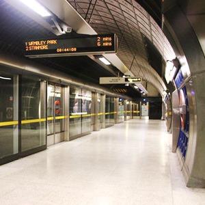 Как метро Нью-Йорка, Мельбурна, Сеула стало безопасным видом транспорта