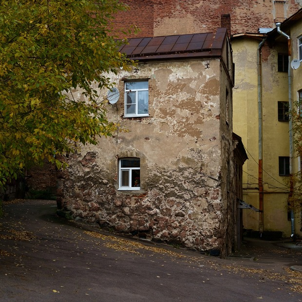 Я живу в самом старом доме России — Где ты живёшь на The Village