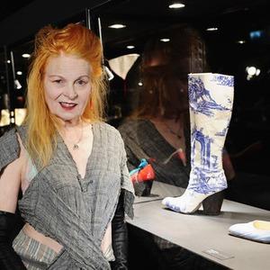 В «Цветном» пройдет выставка Vivienne Westwood — Ситуация на The Village