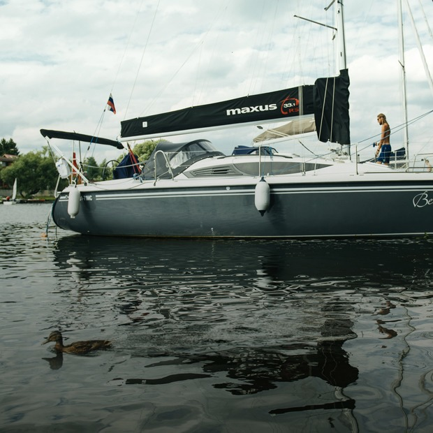 Дача под парусом: Яхта вместо загородного дома — Дача недели на The Village