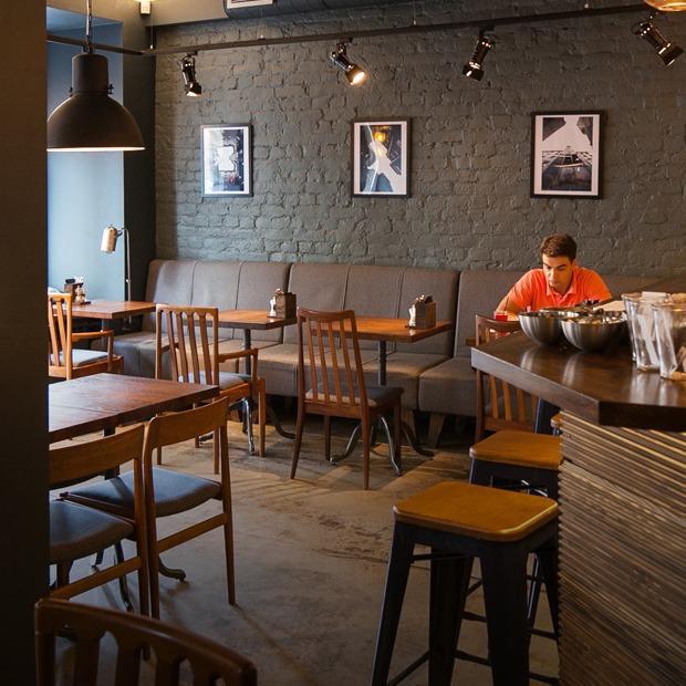 Кафе-бар «Бюро» на Петроградской стороне