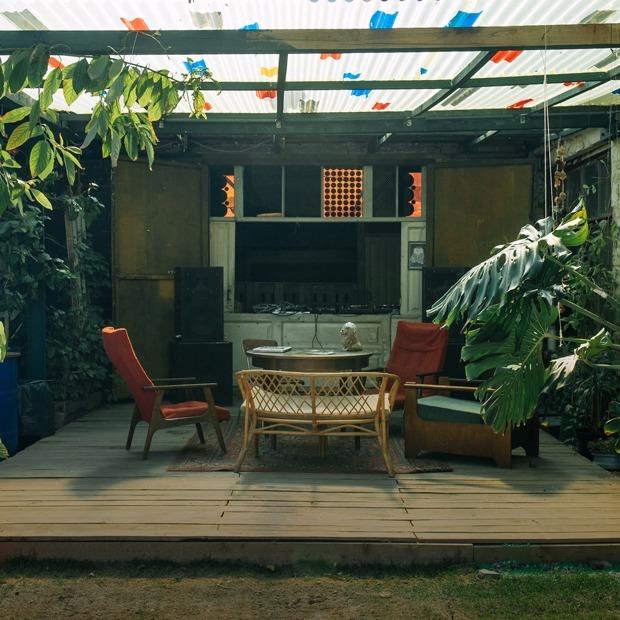 Выставка Сергея Шнурова, открытие летней веранды клуба «Рабица» и «ИЗИ Дискурс» — Выходные в городе на The Village