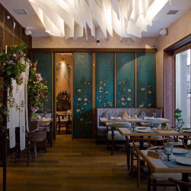 Рыба-сабля и овца с сахарной ватой: Что заказывать в новом китайском ресторане «Дружба» — Место на The Village