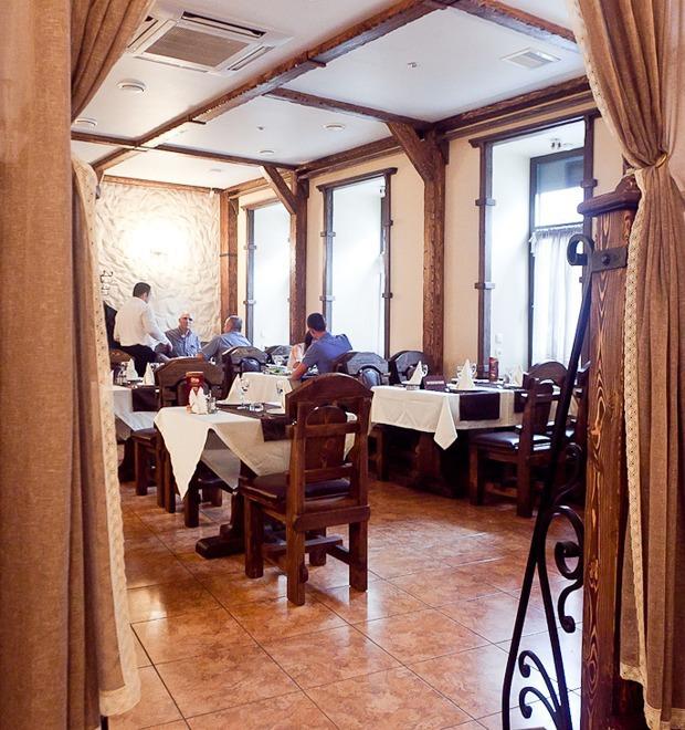 Все свои: Азербайджанское кафе на Марата