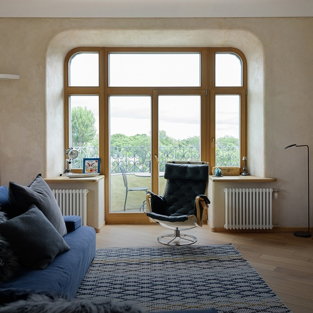Квартира с тремя балконами, огромными окнами и видом на Петропавловскую крепость  — Квартира недели на The Village