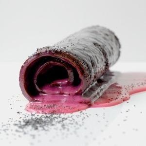 Рулет с маком и ганашем из белого шоколада — Рецепты читателей на The Village