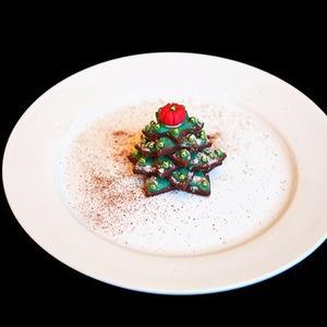 Сезонное меню: 13 новогодних и рождественских десертов в ресторанах Петербурга
