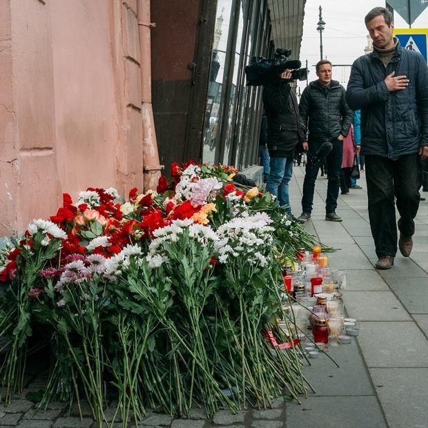 Сенная площадь и «Техноложка» через сутки после теракта — Фоторепортаж на The Village