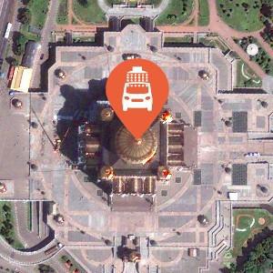 Автомойка и магазин: Кто торгует в храме Христа Спасителя