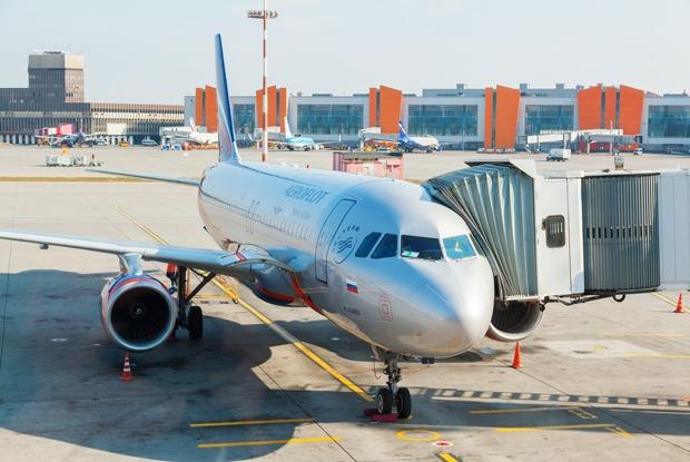 Повлияет ли закрытие неба над Украиной для российских авиакомпаний на стоимость билетов? — Комментарии на The Village