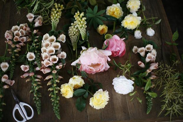 Как собрать необычный букет из дачных цветов — Сервис на The Village