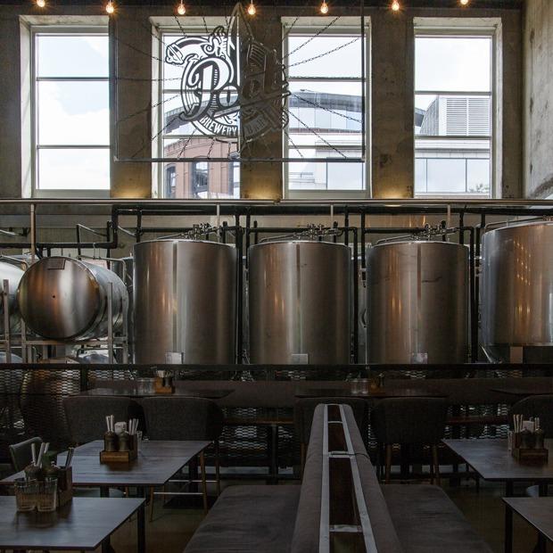 Бар при пивоварне: Poet Brewery & Bar — Место на The Village