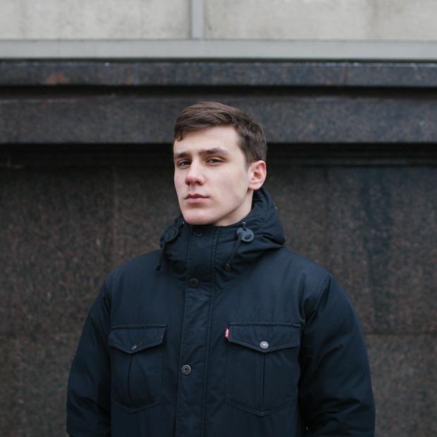 «Больше всего претензий к Жириновскому»: 18-летние на выборах — Люди в городе на The Village