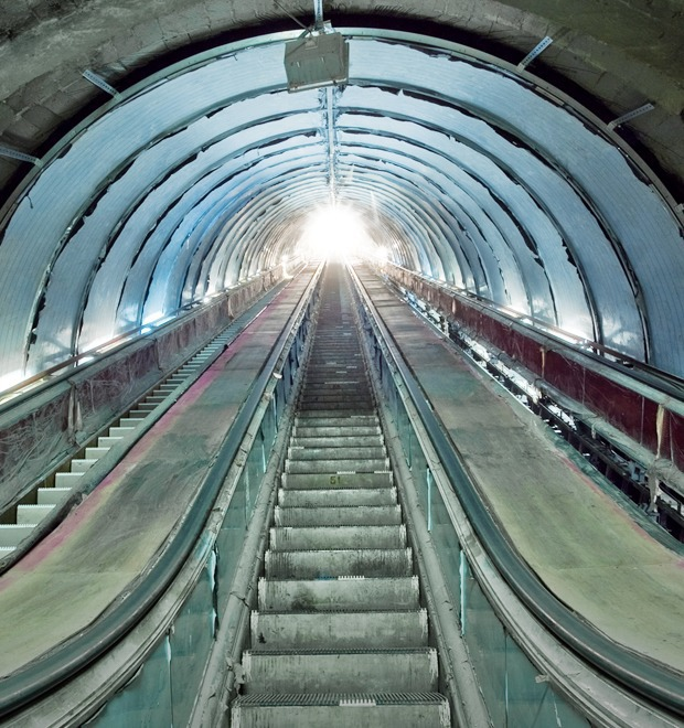 Фоторепортаж: Как ремонтируют «Петроградскую» — Фоторепортаж на The Village