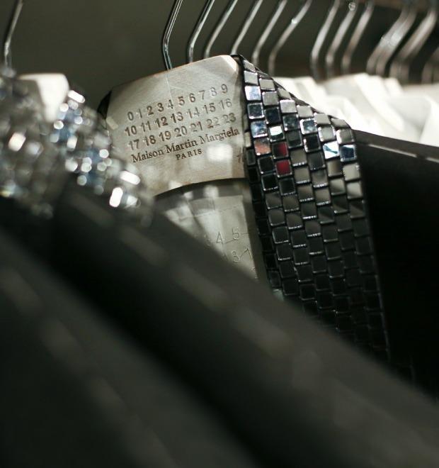 Вклад в МММ: Начало продаж коллекции Maison Martin Margiela x H&M