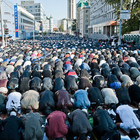 По случаю Курбан-Байрама у Соборной мечети собрались 60 тысяч мусульман