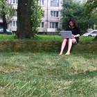 Wi-Fi-газон с диваном из травы появился в Купчине