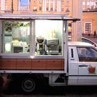 Кофейни на колёсах появились в Петербурге