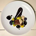 Рецепты шефов: Филе говядины с пюре из цветной капусты и соусом из лисичек