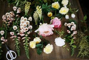 Как собрать необычный букет из дачных цветов