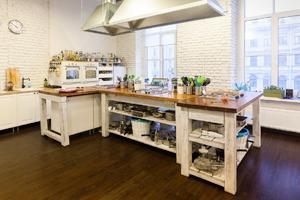 Интерьер недели (Петербург): Кулинарная школа «Красиво подано»