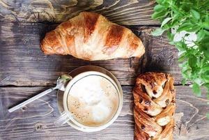 Кафе «Семь сорок», The Hummus, «Шанти Green» и «Тот самый фалафель», филиал кофейни Good Enough