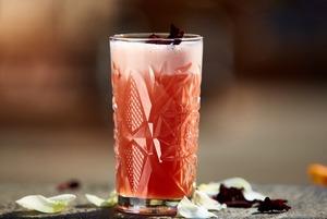 Вместо бокала шампанского: Девять коктейлей на основе игристого