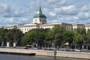 Зачем в крупнейшем дореволюционном здании Москвы делают отель