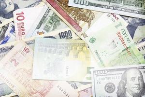 Как себя ведут валюты в трудных ситуациях