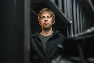«В автозаке тепло»: Актер Александр Паль — о задержании на Тверской