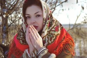 Румянец национализма: «Я сфотографировалась в платке и стала символом славянской чистоты»