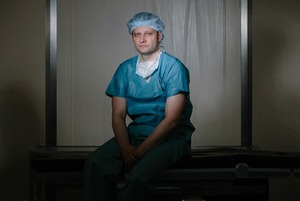 Хирург-онколог — о том, как лечит онкологию у себя