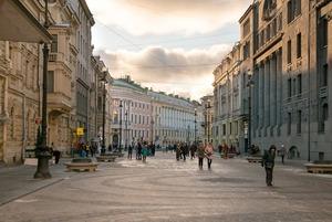 Гранитная урбанистика: Как выглядят новые пешеходные зоны Петербурга