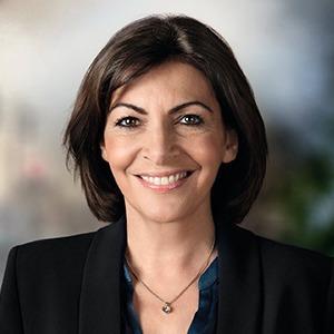 Как Анна Идальго стала первой женщиной на посту мэра Парижа