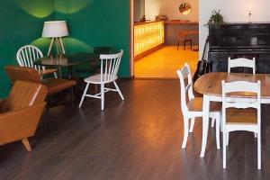 Кафе-бар The Local в Авиагородке