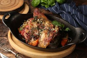 Киви, урц и «Аква минерале»: Майские рецепты маринадов для мяса и рыбы от шефа «Стейк-Хауса»
