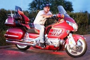 Звук вокруг: Кто ездит на орущих мотоциклах